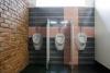 Vīriešu tualete jaunajā dušas mājā